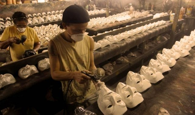 Usine masque anonymous